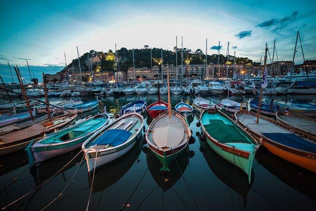 Photographie du port de Nice.
