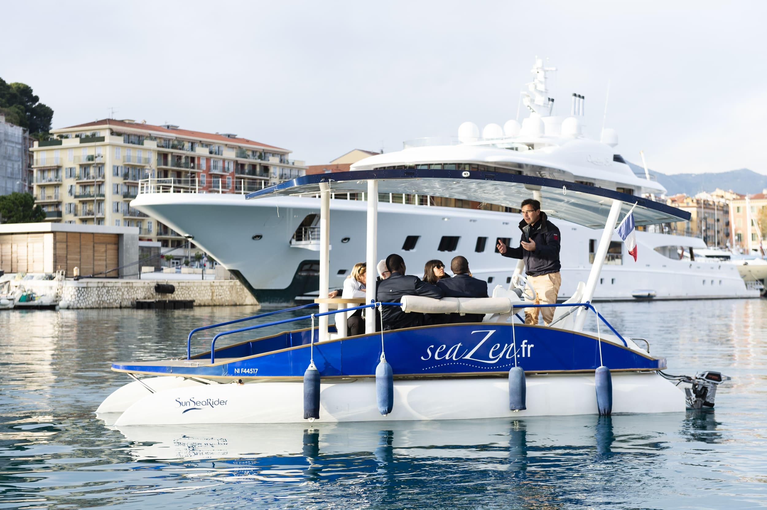 Promenade en bateau dans le port de Nice