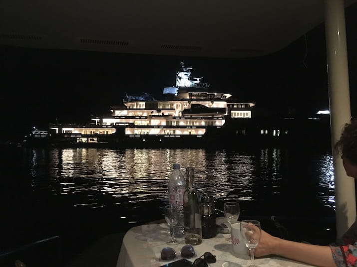 Aperitif in front of the Ulysse mega-yacht